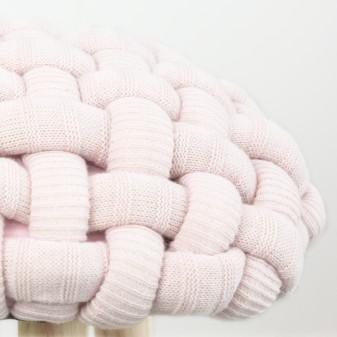 Taburete de madera trenzado Taburetes y pufs COLORES DISPONIBLES: gris perla, rosa pastel, verde menta El paquete cabe en el
