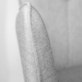 Fauteuil claire  SALLE COLORES DISPONIBLES: gris, marrón The