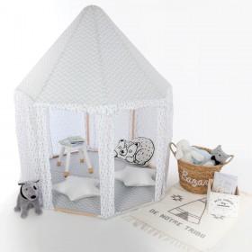 Tienda de yurta gris y blanco